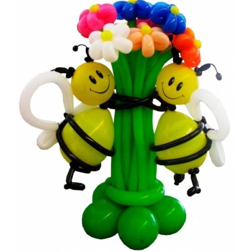 Пчелки с букетом